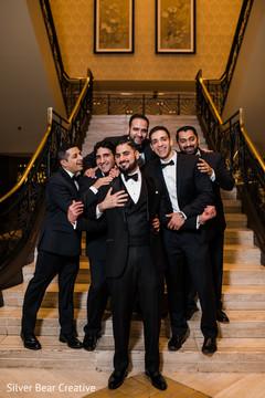 Enchanting Indian groom with groomsmen capture.
