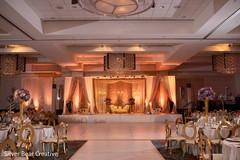 Astonishing Indian wedding reception stage decor.