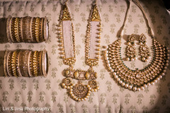 Outstanding Indian bridal ceremony fashion jewelry.