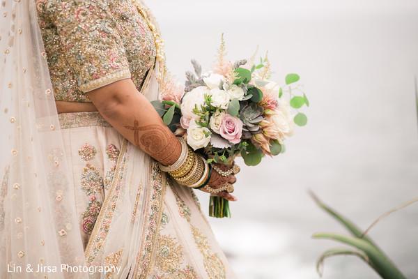 Astonishing Indian bridal bouquet.
