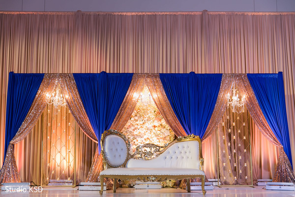 See this beautiful stage decor