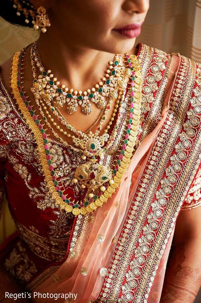 Details of Maharani's jewelry