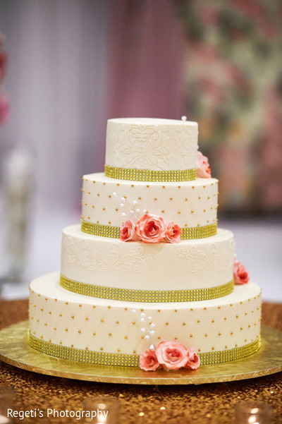 See this beautiful wedding cake