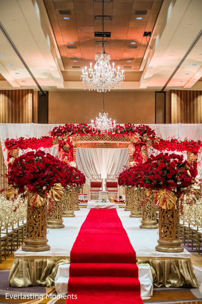 Magnificent Indian wedding ceremony decorations.