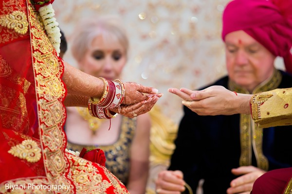 Moment of the Indian wedding ceremony