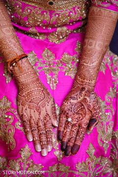 Marvelous Indian bridal mehndi art.