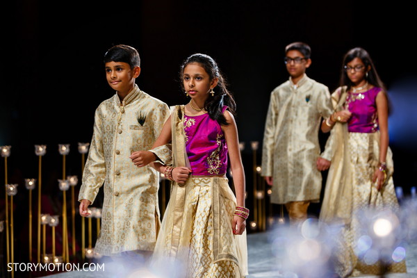 See this lovely Indian groomsmen and bridesmaids.