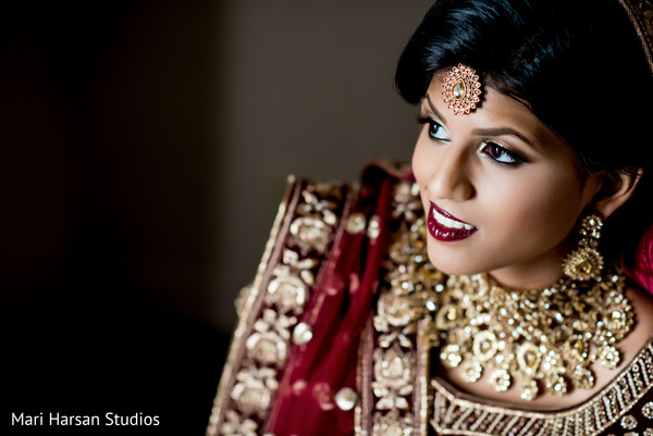 See the details of the Indian bride's tikka