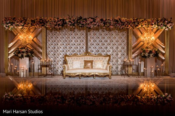 See this dazzling Indian wedding stage decor