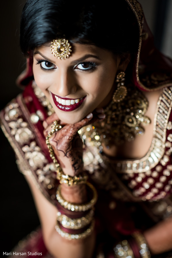 Dazzling bride posing for pictures