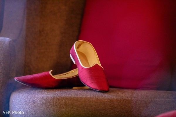 Marvelous Indian groom's ceremony shoes.