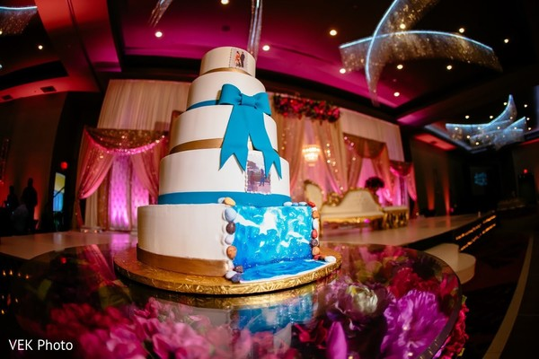 Marvelous Indian wedding cake capture.