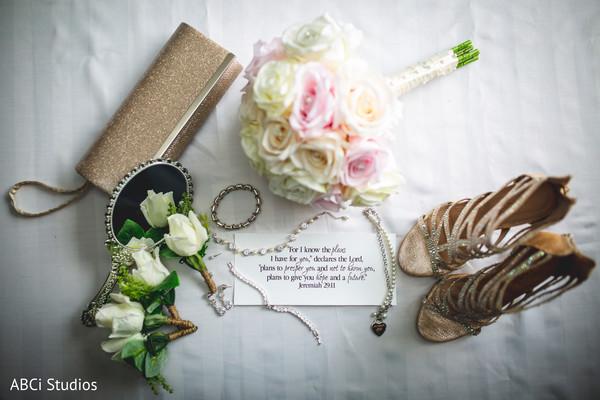 See this elegant Indian bridal accessories.