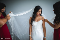 Maharani getting her white veil on.
