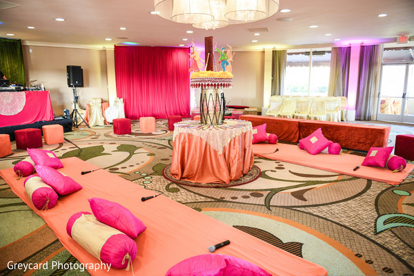 See this incredible Sangeet decoration.