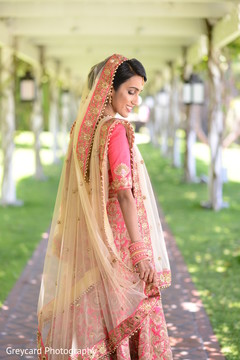 Marvelous Indian bridal photo shoot.