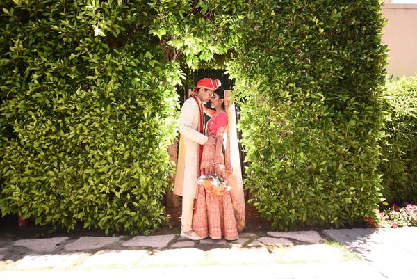 Maharani and Rajah romantic first look moment.