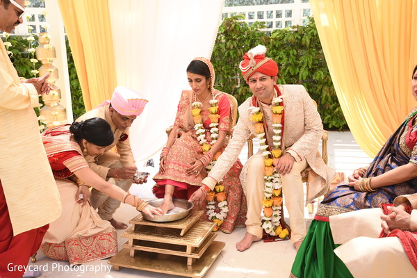 See this traditional Indian wedding ritual capture.
