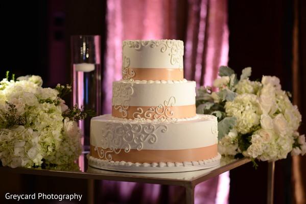 Indian wedding cake decorations capture.