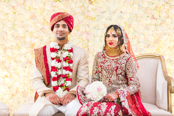 See this lovely Indian wedding couple at ceremony.
