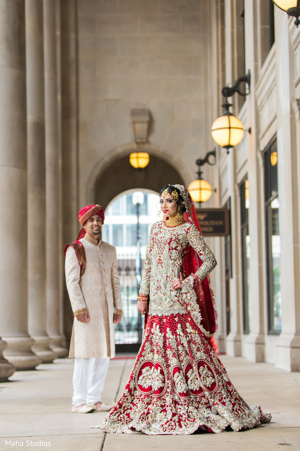 Stunning Indian bride and groom ceremony look.