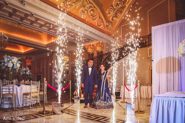 Impressive Indian couples reception entrance capture.