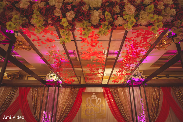 Marvelous Indian wedding mandap flowers decor.
