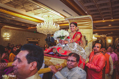 See this Incredible Indian bridal ceremony entrance.