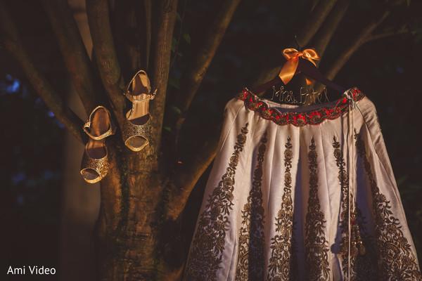 Incredible Indian bridal wedding ceremony lehenga.