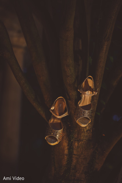 Golden maharani's wedding ceremony shoes.