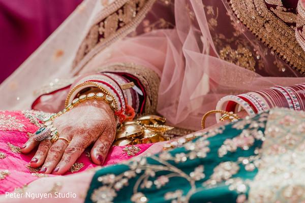 See this Indian bride's mehndi design