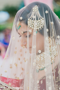 Portrait of the beautiful Indian bride