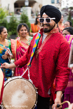 Dhol player during the baraat