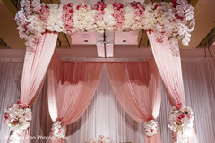 Ideas for the colorful Indian wedding reception
