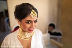 Stunning Indian bride tikka and Kundan choker set.