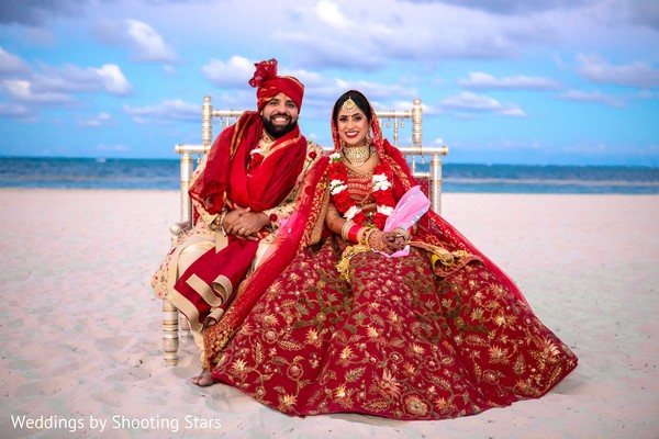 Stunning Indian couples wedding photo session.