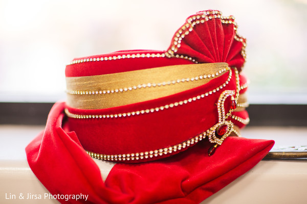 Elegant Indian groom's ceremony turban.