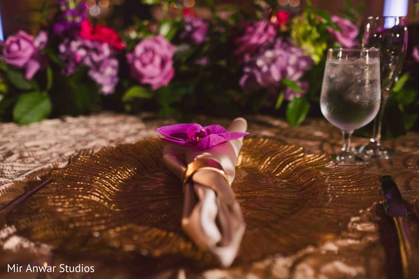 Elegant Indian wedding table setup capture.