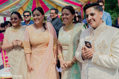 Lovely Indian wedding guests capture.