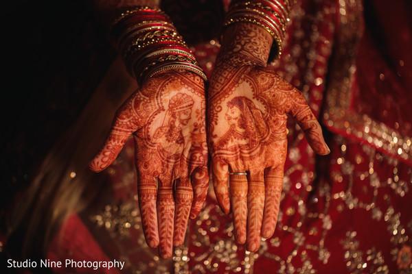 Incredible Indian bridal hands mehndi art.