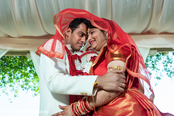 See this gorgeous Indian couple
