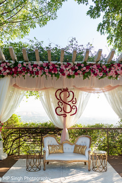 See this beautiful decor of the reception