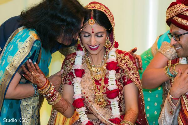 Sweet Indian wedding ceremony capture.