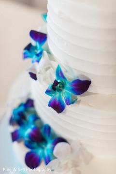 Gorgeous indian wedding cake flowers