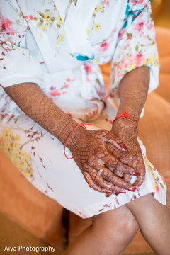 Lovely mehndi art on maharani's hands.