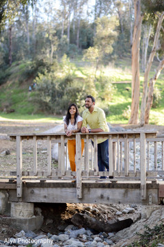 Marvelous Indian couple's outdoors photo.