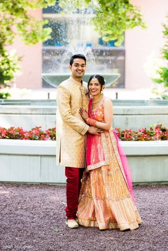 See this dazzling Indian couple's photo session.