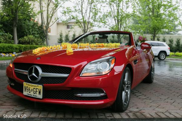 Marvelous Indian wedding Mercedes decoration.