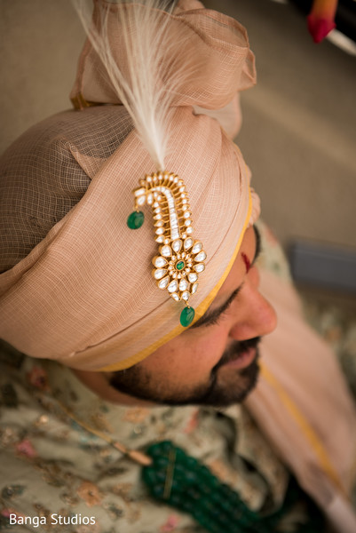 Indian groom's pagri details