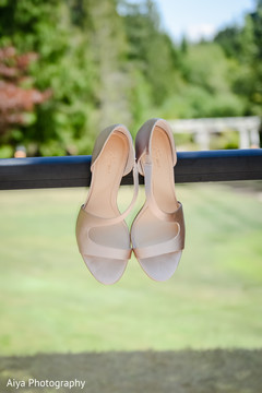 Fabulous Indian bride shoes capture.